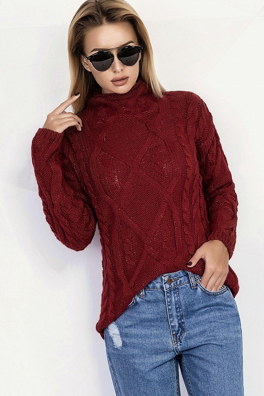 Вязаный свитер женский